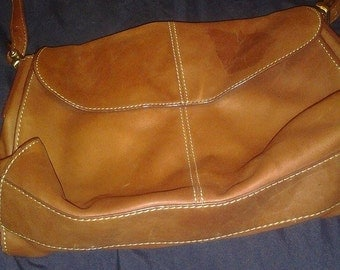 Vintage Liz Claiborne Camel Leather Handbag Hobo Bag RN52002/CA16396