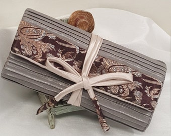 Luxury Jewelry Roll in Crinkle Silver with Paisley Brown - Travel Jewelry Roll