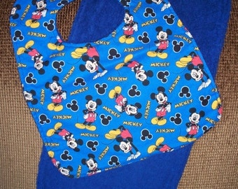Bib & Burp Cloth Set; Mickey Mouse