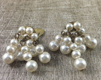 Stunning Vintage Faux Pearl Beaded Dangle Gold Tone Screw Earrings