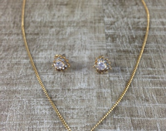 Gorgeous Vintage Style Heart Rhinestone Cluster Gold Tone Necklace and Earrings Set
