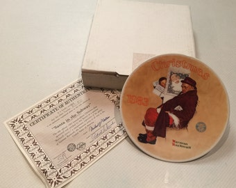 """Limited Edition 1983 Norman Rockwell """"Santa in The Subway"""" Christmas Plate by Edwin M. Knowles China Co. in Mint Condition"""