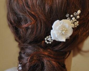 Bridal Hair Comb with Silk Flower, Wedding hair comb, Silk Flower Hair clip, Millinery flowers, Bridal hair flower
