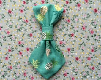 Pineapple Print Dog Tie
