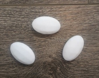 3 oval white