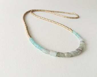 Necklace with aquamarine