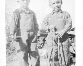 "Vintage Photo Snapshot ""Verne and Billie Box""vernacular photography 1930's"