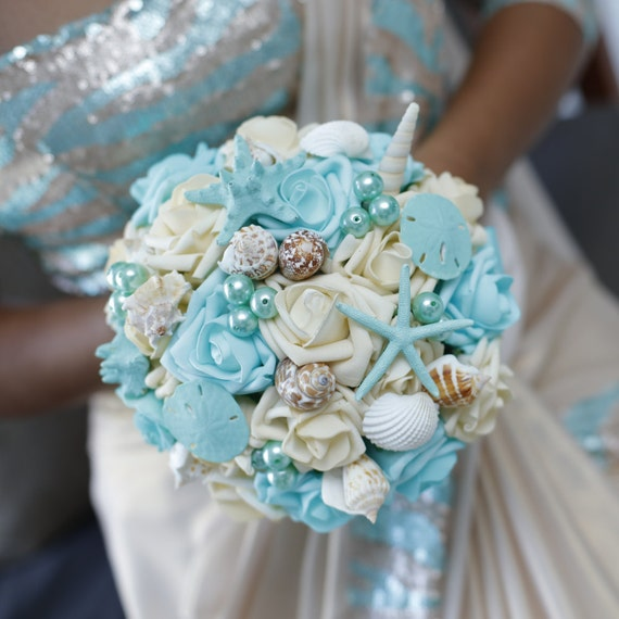 Beach Wedding Flowers: Seashell Bouquet For Bride Or Bridesmaids Beach Wedding