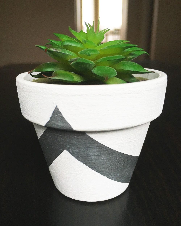 mini modern faux succulent plant pot white silver triangle. Black Bedroom Furniture Sets. Home Design Ideas