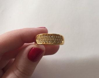 Vintage Costume Jewelry: 1980s Large Rhinestone Gold-Tone Band Ring