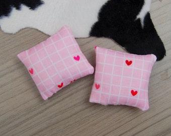 Miniature cushions / 1:12 scale dollhouse cushion / modern miniature furniture / pink heart grid cushion