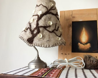 wool metal and flower Lamp