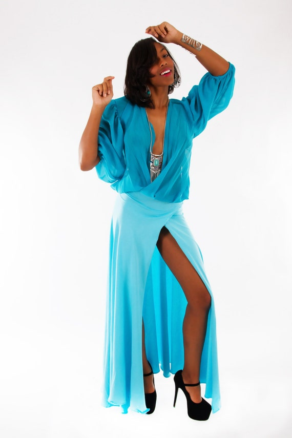 custom designed boutique turquoise halter bare back long sleeve open front top right leg high slit dress size M