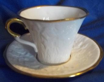 Gorgeous Royal Stafford Bone China Cup & Saucer Old English Oak Pattern