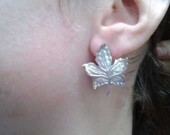 FREE SHIPPING - Vintage Silver Toned Maple Leaf Clip on Earrings