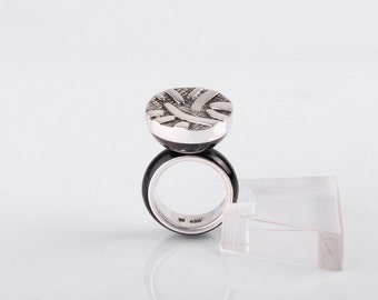 Sterling silver abstract ring with horn