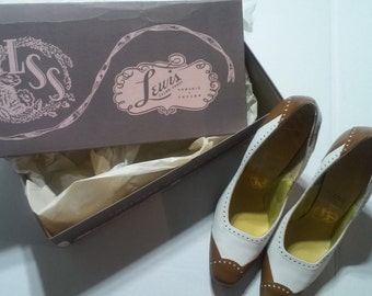 Women's Vintage Lewis Salon Brown and White Leather Pumps Size 6