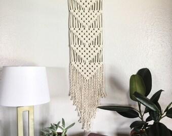 Macrame Wall Hanging / Wall Hanging / Small Macrame Wall Hanging