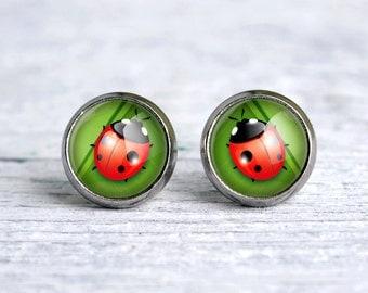 Ladybug, small glass ear studs, green earrings, es06