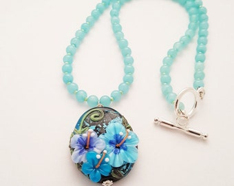 Flower Pendant Necklace / Lampwork Glass Bead Necklace / Romantic Gift for Her / Flower Necklace / Glass Necklace / Wedding Jewelry