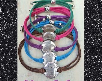 Bracelet detail mother