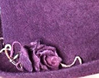 "Hat of felt ""wild rose"""