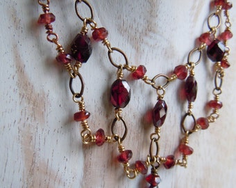 Necklace Garnet and brass