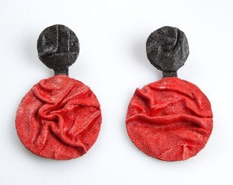 Black and red colors MOONS earrings