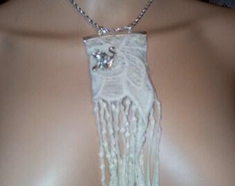 coton lace,silver bronch necklace