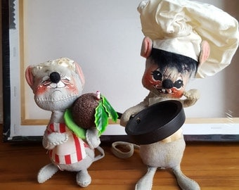 Vintage Annalee Mobilitee Dolls Christmas Mice Girl w/Plum Pudding & Boy Chef Collectible Posable 1970s