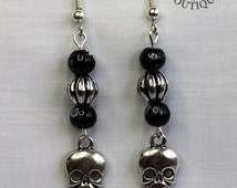 Gothic skull, dangle earrings in antique silver finish (Code ESP013)