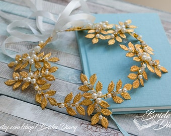 Wedding hair jewelry, gold leaves with pearls and crystals, bridal wreath, wedding hair vine