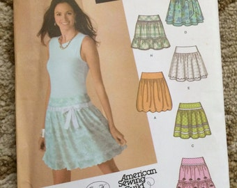 Simplicity Pattern 4285-Jr. Plus-Design Your own Skirt-8 variations-Size BB 15/16 through 25/26-New and uncut-OOP