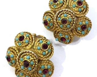Etruscan Revival Earrings / Vintage 1950s Antique Gold Egyptian Earrings / Clip On