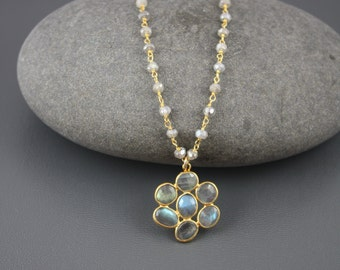 Labradorite Flower Beaded Necklace, Floral Necklace,Labradorite Floral Necklace,Botanical Necklace,gift for her, gift under 100,delicate