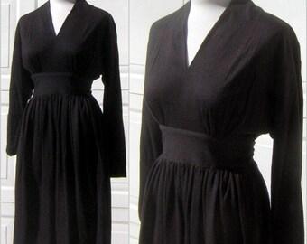 Film Noir Dress Black Vintage 80s do 40s Drama with Sexy Silhouette Light Wool Jersey Knit Medium Size 9 / 10