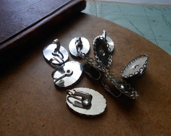 6 silver clip on earring settings 18 x 25 lace edge vintage settings - setting for cabs or cameos