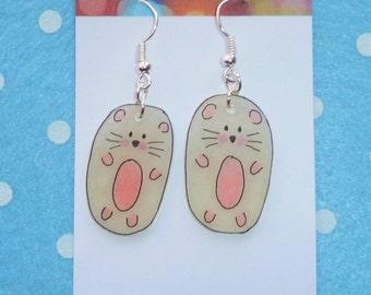 Adorable Little Hamster Earring - Pastel Beige