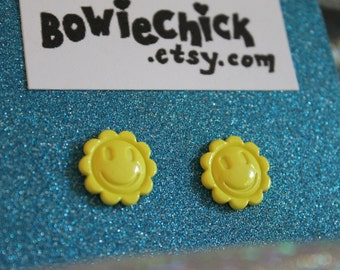 Small Smiley Flower Earrings, Yellow or Purple, Happy Face, Stud Earrings, Buttons, Small Size, Nickel Free Posts