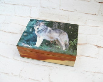 Vintage 70s Lone Wolf Photo Top Stash Box Jewelry Holder Cedar Wood Container Organizer