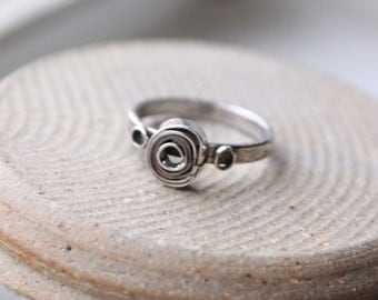 Rose Stacking Ring - size 5.75
