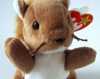 Ty Beanie Baby NUTS Retired 1996 Original Brown White Squirrel Plush Toy Animal Rare Collectible January Birthday