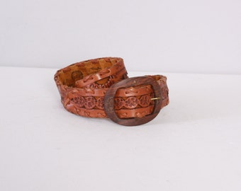 Vintage 70s LEATHER BELT / 1970s TOOLED Floral Cut-Out Brown Leather Wood Buckle