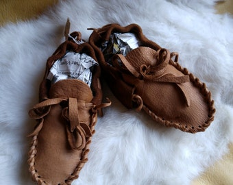 Buckskin Baby Moccasins ---- Pre-made leather Booties - Size 5 & 8