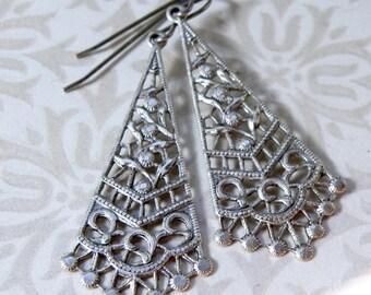 Silver filigree earrings, vintage silver earrings, Downton Abby style earrings, silver dangle drops, vintage drops, vintage earrings