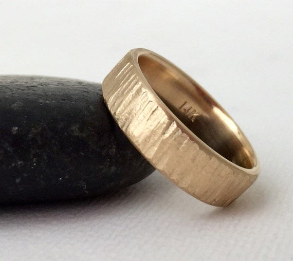 gold wedding band rustic bark mens wedding ring unique wedding. Black Bedroom Furniture Sets. Home Design Ideas