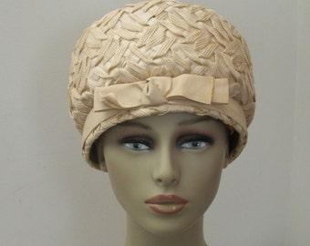 Vintage Mod Ecru Straw Bubble Hat