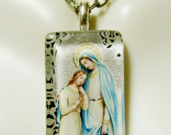 Saint Anne with Mary pendant with chain - GP09-034