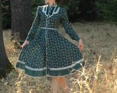 Forest Green Gunne Sax Dress... Vintage Gunne Sax... Size 9... Out of the Forest and Into Your Dreams