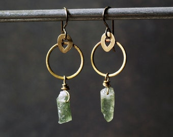 Bold brass earrings golden ring rough green quartz crystals